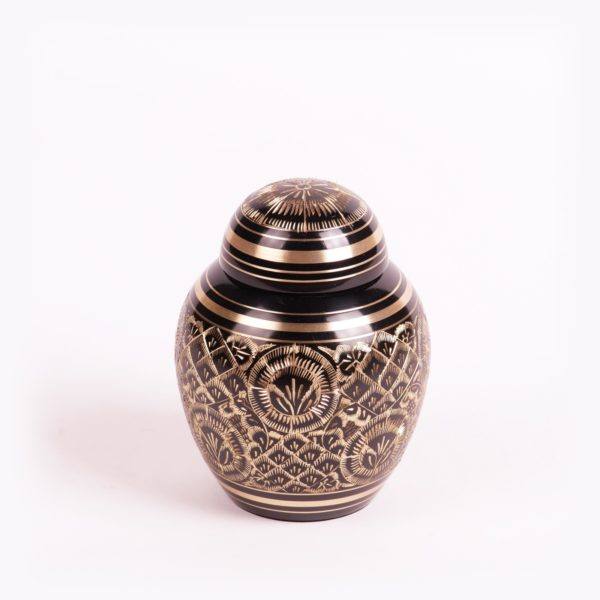 Messing urn zwart middel